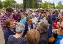 GALERÍA DE IMÁGENES | Los candidatos a la Alcaldía de Toledo visitan el mercadillo del barrio del Polígono